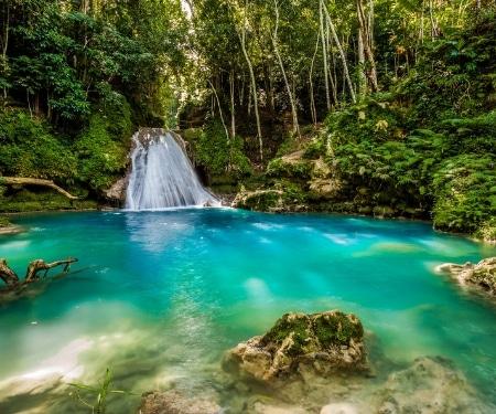 Cool Blue Hole Jamaica Tour